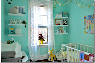 Nursery decor for baby boy with bright blue themed color